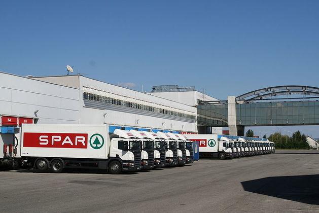 Молния в Челябинской области меняет бренд на Spar