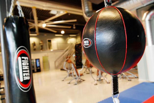 В Челябинске открылся самый крупный в городе круглосуточный фитнес-центр