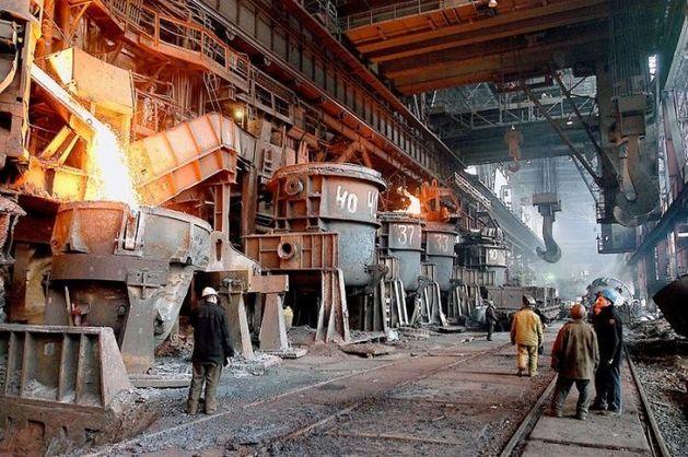 ММК экспортирует по реке 450 тыс. тонн стали