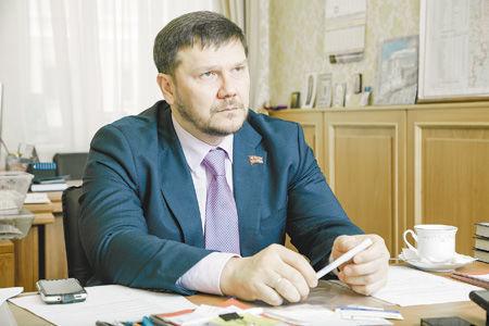Константин Захаров рассказал «ДК», по каким отраслям региона больнее всего ударили санкции