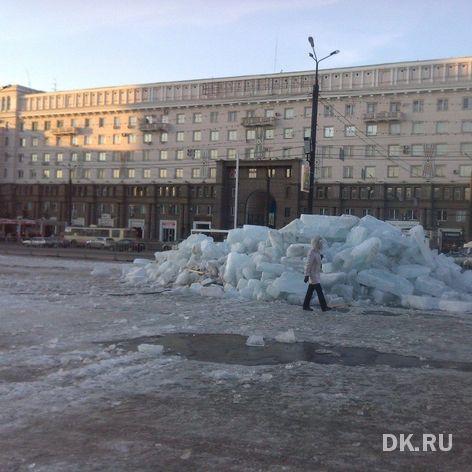 Главный ледовый городок Челябинска прекратил свою работу