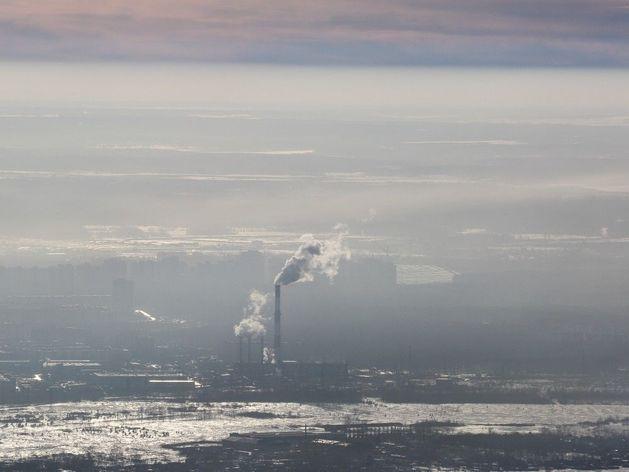 В Челябинске провели визуальное исследование воздуха с вертолета