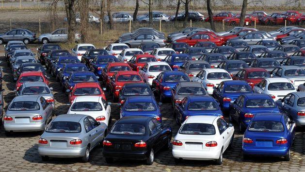 В Челябинской области в 2015 году объемы продаж автомобилей снизятся вдвое