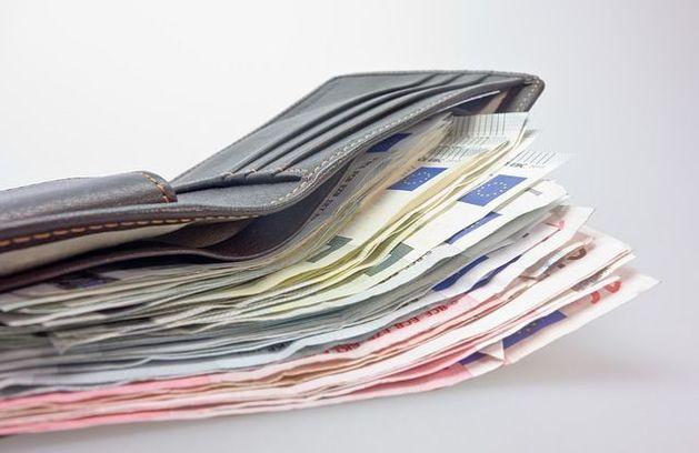 В Челябинске подсчитали зарплаты руководителей отдела продаж