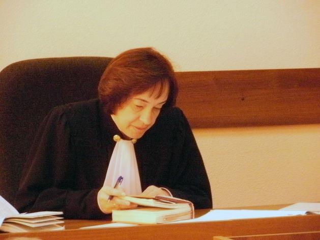 Уголовное дело в отношении главы Коркинского района Геннадия Усенко направлено в суд