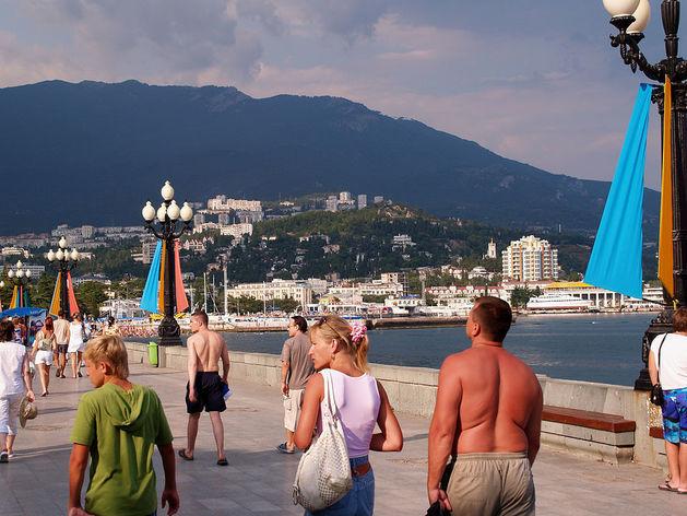 Крупные туроператоры переключились на Крым и Сочи и пообещали дешевый отдых для россиян