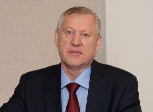 Тефтелев рассказал о доходах и имуществе