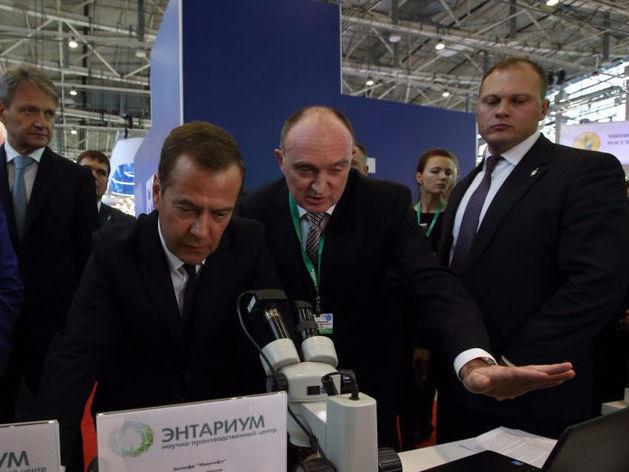Медведев согласился поддержать финансами челябинскую биофабрику