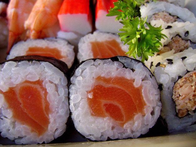 Известный сервис по доставке суши выставлен на продажу в Челябинске