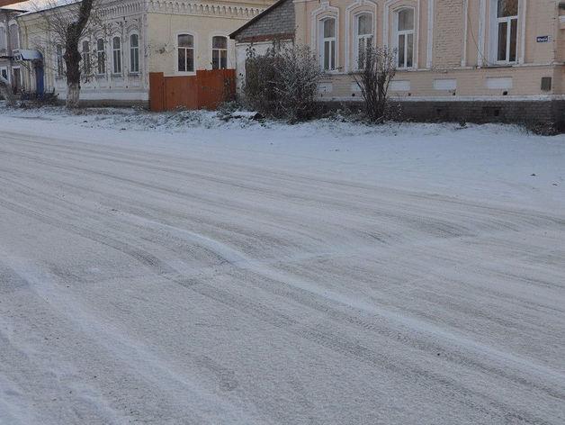В Челябинской области ищут компанию, которая положит асфальт на снег и получит 2 млн руб.