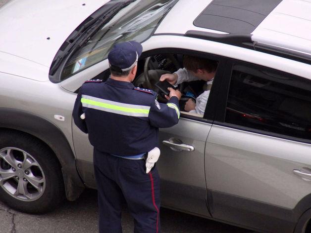 Почти 500 млн рублей накопили челябинские водители за штрафы ГИБДД