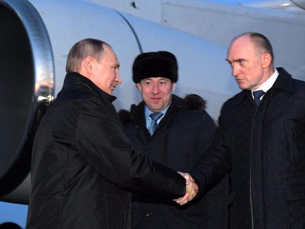 Владимир Путин приземлился в Челябинске, но отправился в Миасс