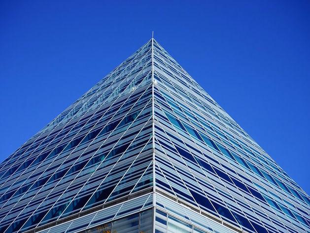 В Челябинске вынесли приговор организаторам финансовой пирамиды, укравшим 100 млн руб.