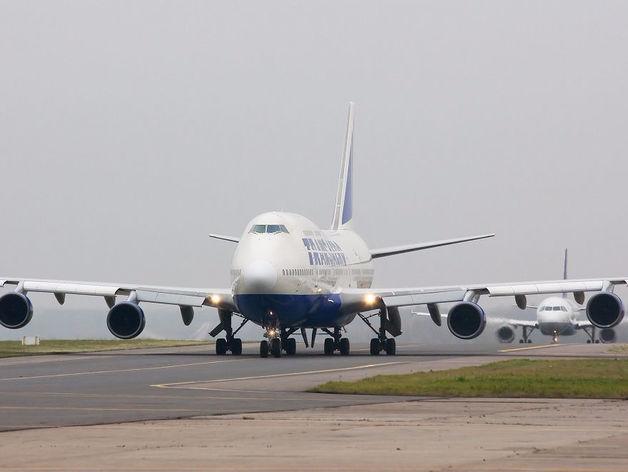 Самолет из Дубая совершил экстренную посадку в Челябинске