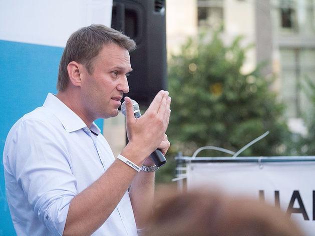 Лебедев жестко ответил Навальному по жалобе на логотип Сатки