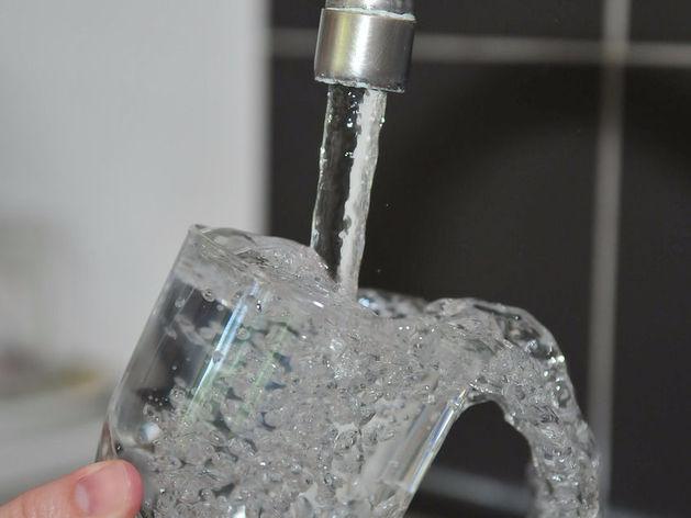 Челябинцы назвали район города, где воду можно пить из-под крана
