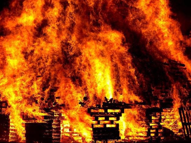 На Южном Урале сгорел ресторан-корабль