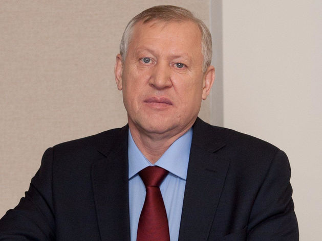Евгений Тефтелев хочет запретить бизнесменам-должникам выезжать за границу