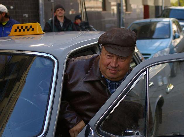Таксисты в Челябинске могут зарабатывать в месяц до 156 000 руб.