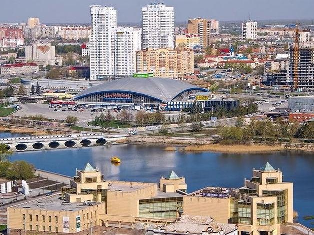 Почти 50% жителей Челябинска недовольны благоустройством города