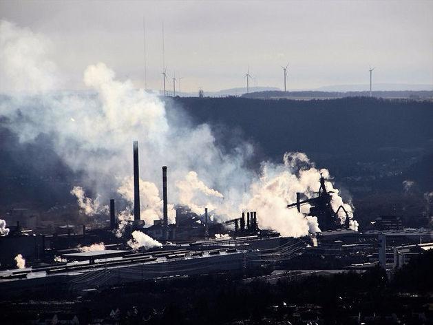 В Челябинской области четыре завода подделали разрешения на выбросы