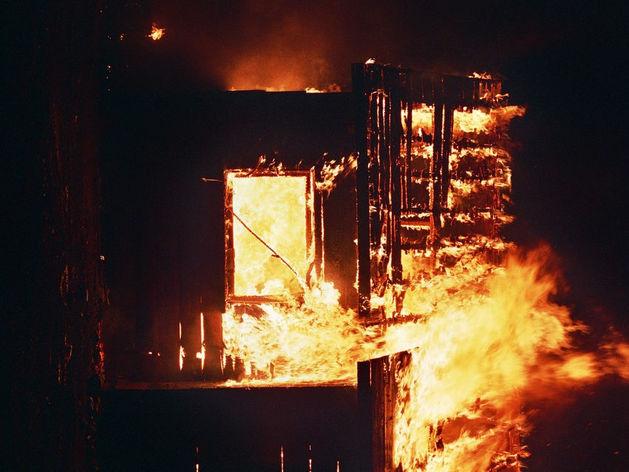 Житель Кыштыма сгорел с отцом в свой день рождения