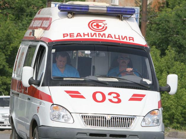 ВАЗ врезался на трассе Челябинск - Троицк в остановившийся автобус