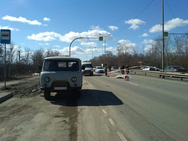 """В Челябинске под колесами """"УАЗа"""" погибла женщина-пешеход"""