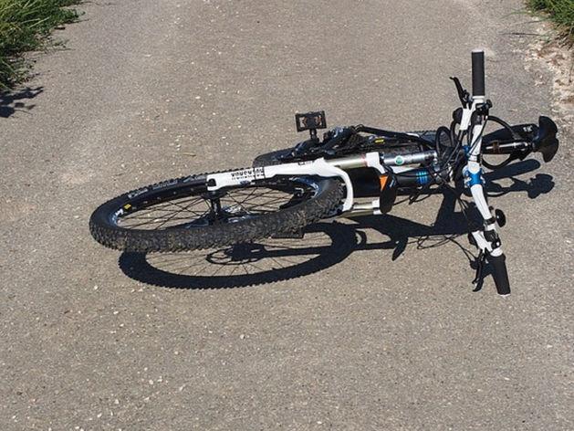 В Челябинской области грузовик сбил 60-летнего велосипедиста