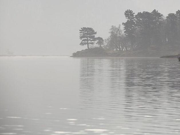 Жители Магнитогорска нашли затонувший в озере автомобиль