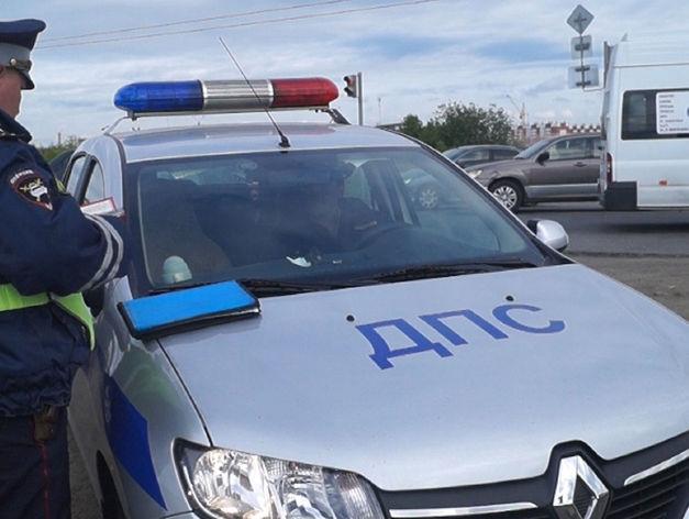 В Челябинске при столкновении маршрутки и иномарки пострадала 63-летняя пассажирка