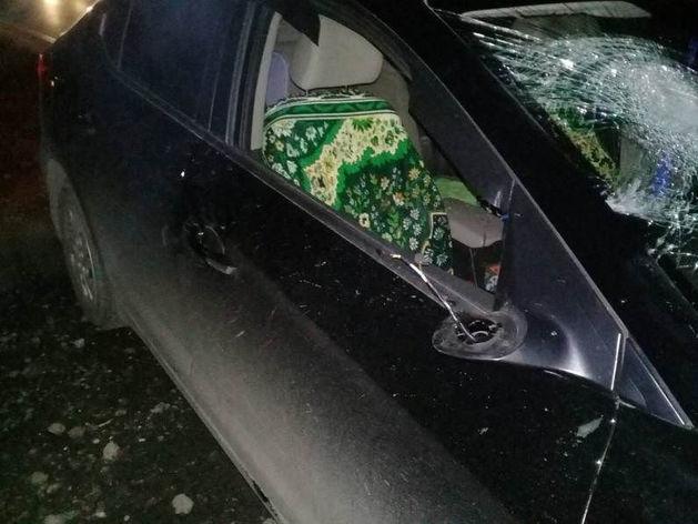 В Челябинской области под колесами иномарки погиб молодой мужчина