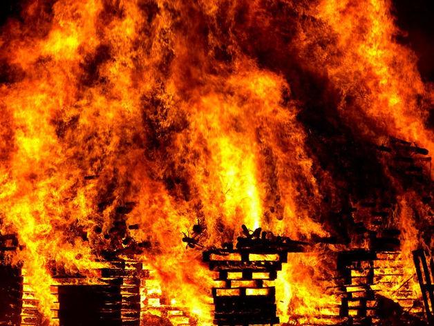В Челябинской области при пожаре погибли три человека
