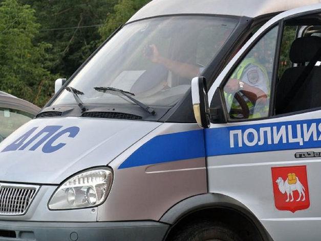 В Магнитогорске женщину-водителя, остановленную сотрудниками ГИБДД, сбила иномарка