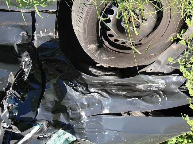 В Челябинской области с дороги перевернулась иномарка, погибли четыре человека