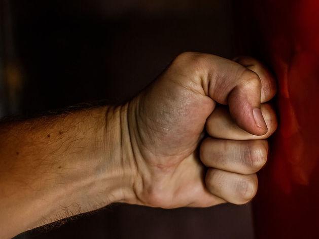 В Еманжелинске отец-одиночка убил приятеля за оскорбление дочери