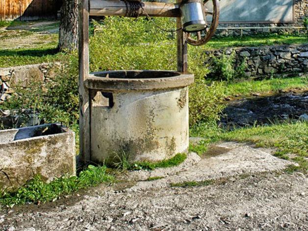 На садовом участке в Челябинске женщина утонула в колодце
