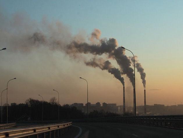 Дело уже возбуждено. Какой крупный завод в Челябинске оштрафовали за выбросы