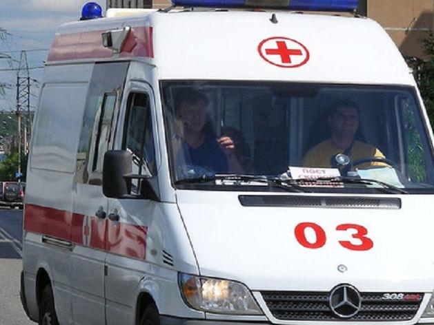 В Челябинске на остановке мужчина умер до прибытия медиков скорой помощи