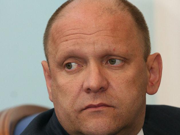 Экс-чиновник из команды Юревича, осужденный за взятки, просит освободить его