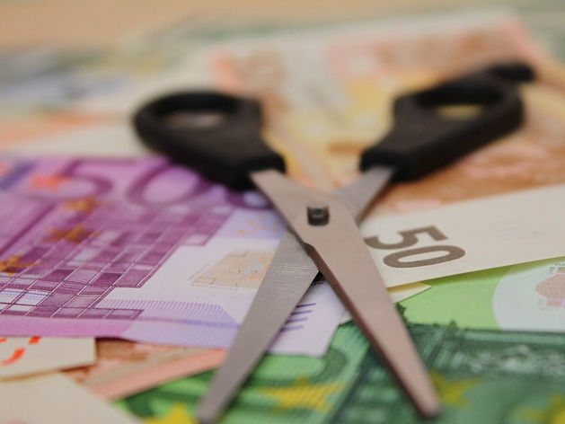 В Челябинской области резко выросло количество жителей, получающих «серую» зарплату