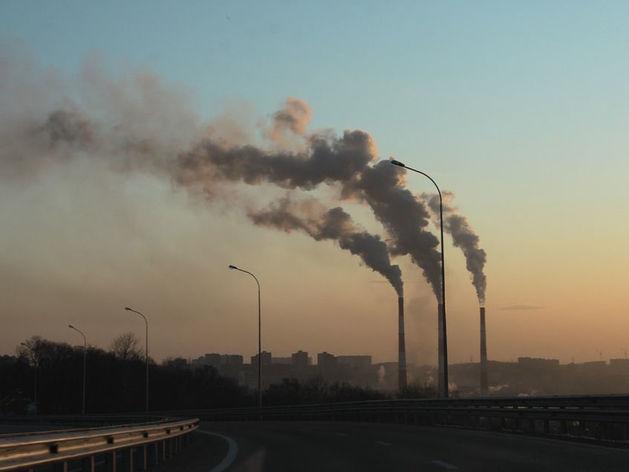 «Директор очень кается». Завод под Челябинском, наказанный за выбросы, ответил прокуратуре
