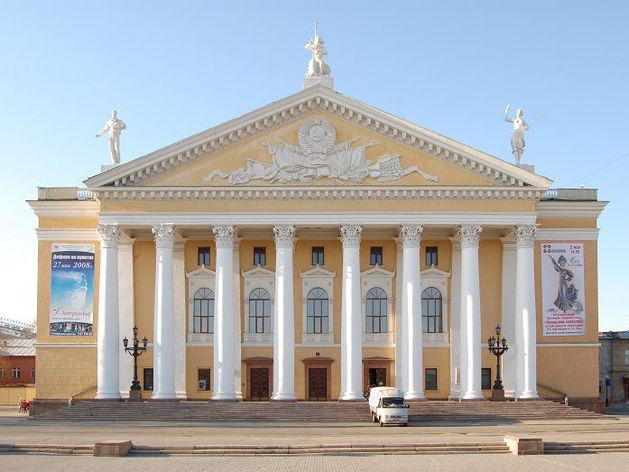 В Челябинске пристройка к Театру оперы и балета привлекла внимание надзорных органов