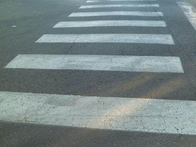 """В Миассе водитель """"ВАЗа"""" сбил школьницу на пешеходном переходе"""