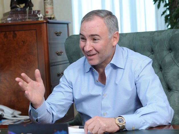 «Рядом ПТУ и довоенная застройка». Борис Видгоф пытается продать офис-центр за 130 млн