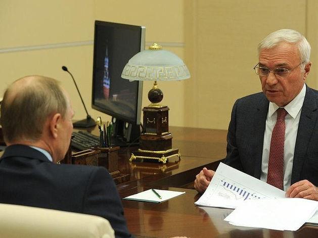 """«Не просто """"бабки заколачивал""""!» Путин выступил с речью о владельце ММК Викторе Рашникове"""