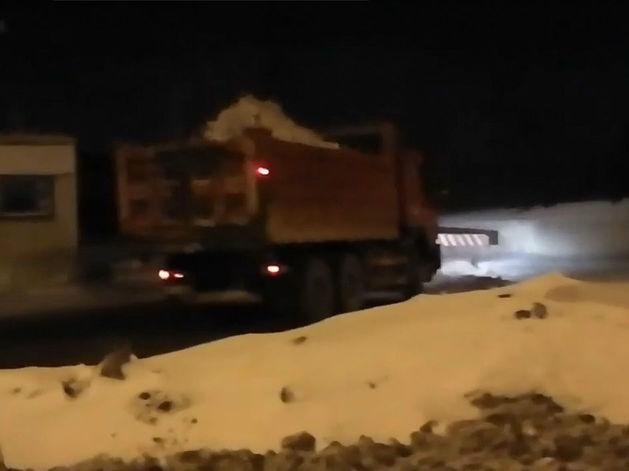 Власти Челябинска прокомментировали вывоз снега на закрытую свалку