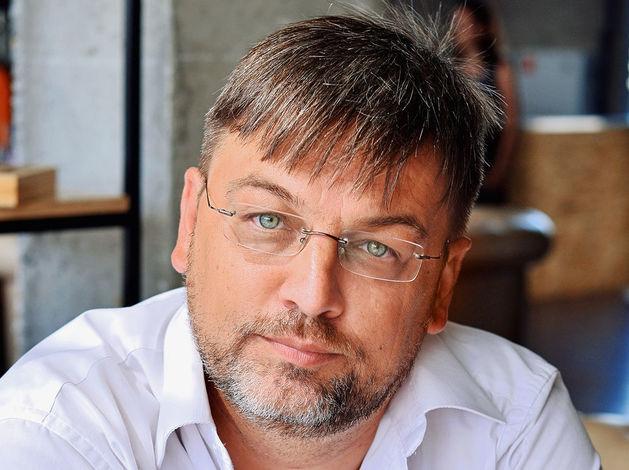 В Челябинске бизнесмену Михаилу Смирнову продлили срок домашнего ареста и разрешили гулять