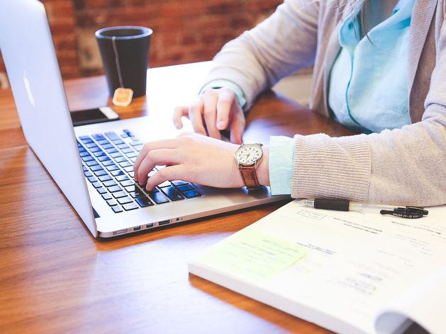 Отдых или трата времени: надо ли запрещать челябинцам соцсети на работе. ИССЛЕДОВАНИЕ