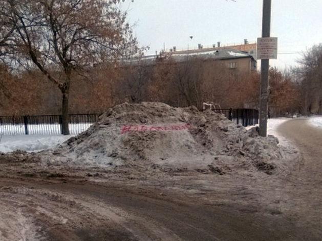 «Кучи начинают собираться». Власти довольны уборкой снега в Челябинске